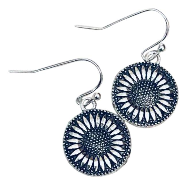 Item - Silver Sunflower Earrings