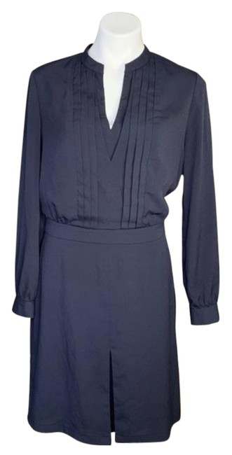 Item - Navy Tuxedo Pleat Crepe V-neck Long Sleeve Shirt Mid-length Work/Office Dress Size 10 (M)