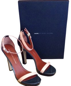 Marc by Marc Jacobs Patent Leather Black And Blush Sandals