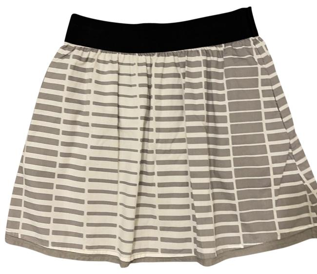 Item - Gray and White Skirt Size 0 (XS, 25)