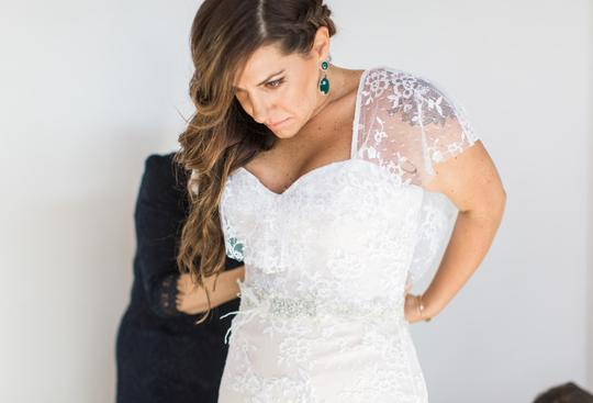 Ivory with Champagne Lining Chantilly Lace Double Face Satin Feminine Wedding Dress Size 8 (M)