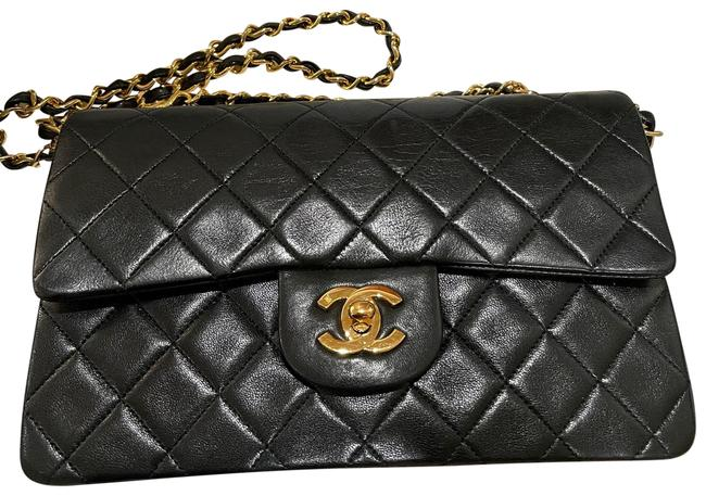Item - Double Flap Vintage Classic Quilted Small Black Lambskin Leather Shoulder Bag