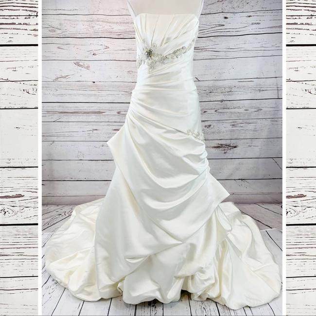 Item - White Memories Imperial Gown J1287 Traditional Wedding Dress Size 6 (S)
