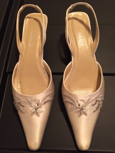 Preload https://item1.tradesy.com/images/grace-shoes-wedding-shoes-2849800-0-0.jpg?width=440&height=440