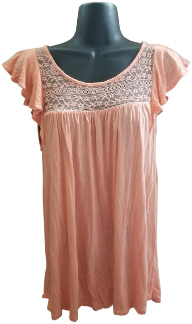 Item - Pink Blouse Size 6 (S)