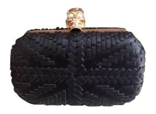 Preload https://item1.tradesy.com/images/alexander-mcqueen-black-leather-clutch-285-0-0.jpg?width=440&height=440