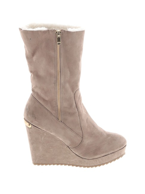 Item - Taupe Faux Suede Boots/Booties Size US 9.5 Regular (M, B)