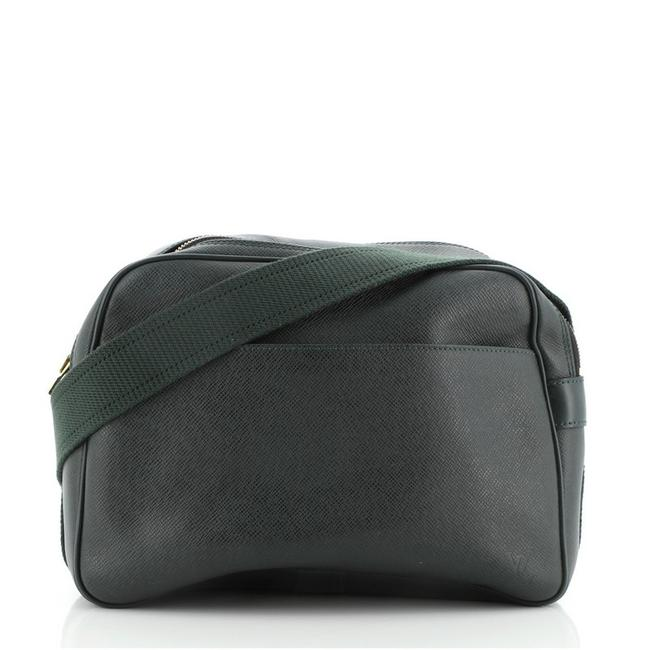 Item - Reporter Taiga Pm Green Leather Clutch