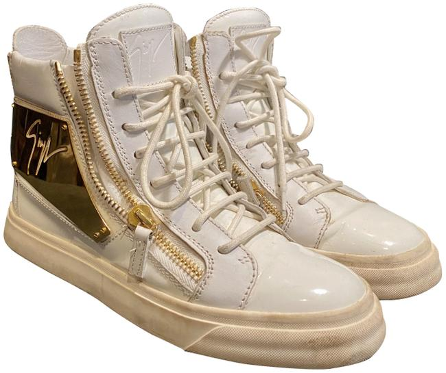 Item - White/Gold W High Top W/Gold Metal Logo Plaque Sneakers Size US 7 Regular (M, B)