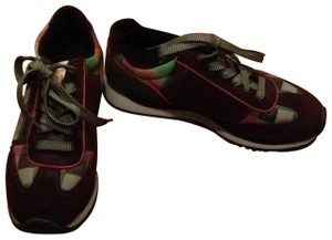 KangaROOS maroon with colored checkers Athletic