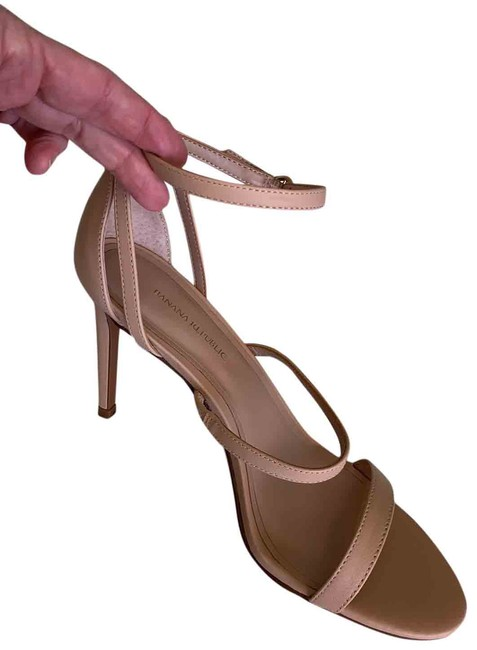 Item - Nude Strappy Heel Formal Shoes Size US 8 Regular (M, B)