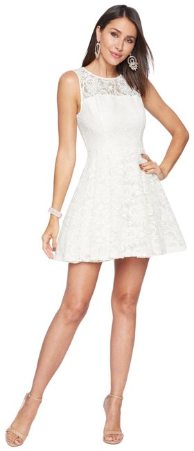Item - White Lace Fit Flare Lace Up Plunge Neck Bell Sleeves Floral Pink Short Cocktail Dress Size 4 (S)