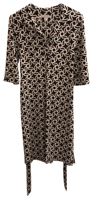 Maggy London Black and White Geometric Print Mid-length Short Casual Dress Size 12 (L) Maggy London Black and White Geometric Print Mid-length Short Casual Dress Size 12 (L) Image 1