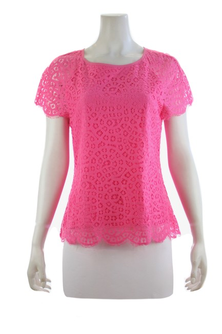 Item - Pink Lace Short-sleeved Blouse Size 6 (S)