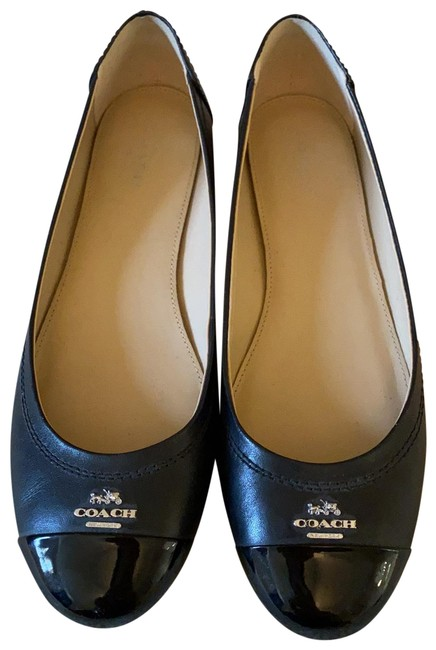 Item - Black Chelsea Flats Size US 7.5 Regular (M, B)