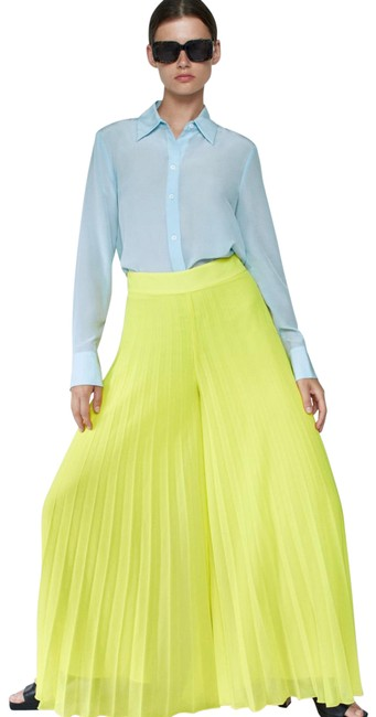 Item - Yellow Pleated Wide Leg Pants Size 8 (M, 29, 30)