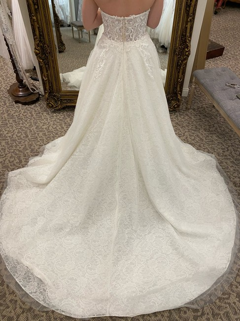 Calla Blanche Ivory/Nude Lace 18120 Traditional Wedding Dress Size 16 (XL, Plus 0x) Calla Blanche Ivory/Nude Lace 18120 Traditional Wedding Dress Size 16 (XL, Plus 0x) Image 3
