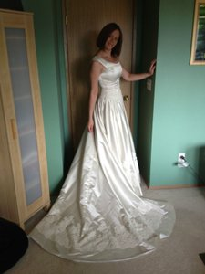 Mon Cheri Gorgeous Wedding Dress