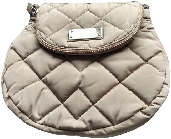 Item - M0011324 Natasha Quilted Light Smoke Beige Nylon Cross Body Bag