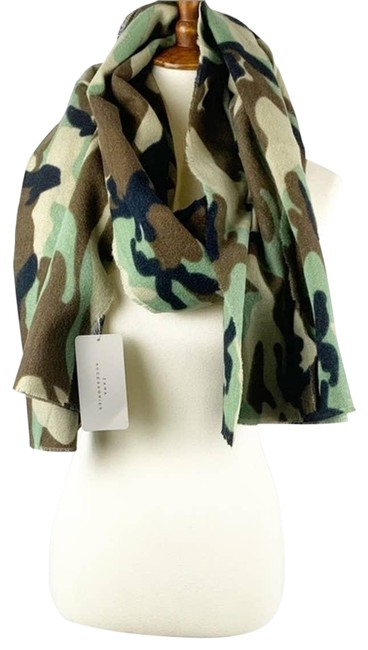 Item - Green New Camouflage Scarf/Wrap