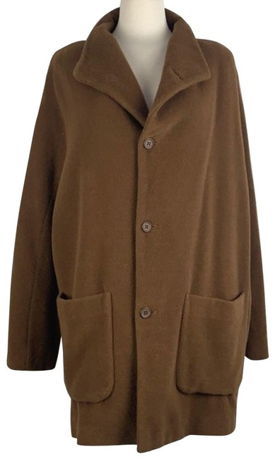 Item - Tan With 3 Buttons Coat Size 8 (M)