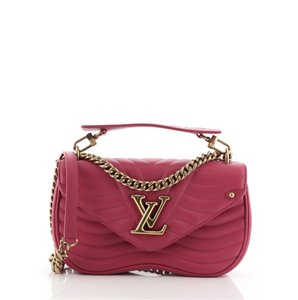 Item - New Wave Chain Quilted Mm Pink Leather Cross Body Bag