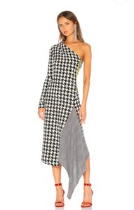 Item - Black and White Houndstooth One Sleeve Midi  Cocktail Dress