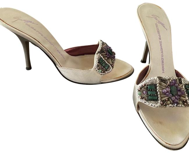 Item - Silver Jeweled Front Sandals Size US 7.5 Regular (M, B)