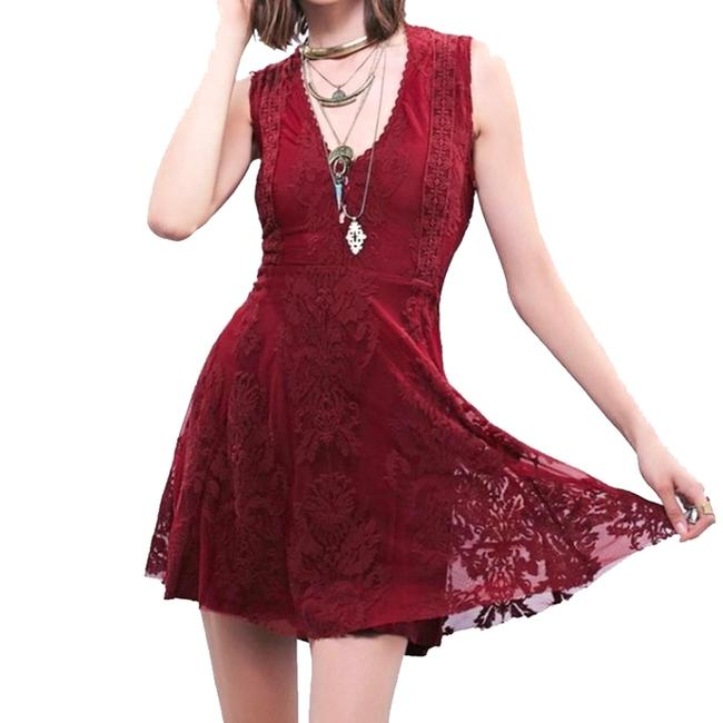 Item - Ruby Red Reign Over Me Lace Sleeveless V-neck Mini Short Casual Dress Size 8 (M)