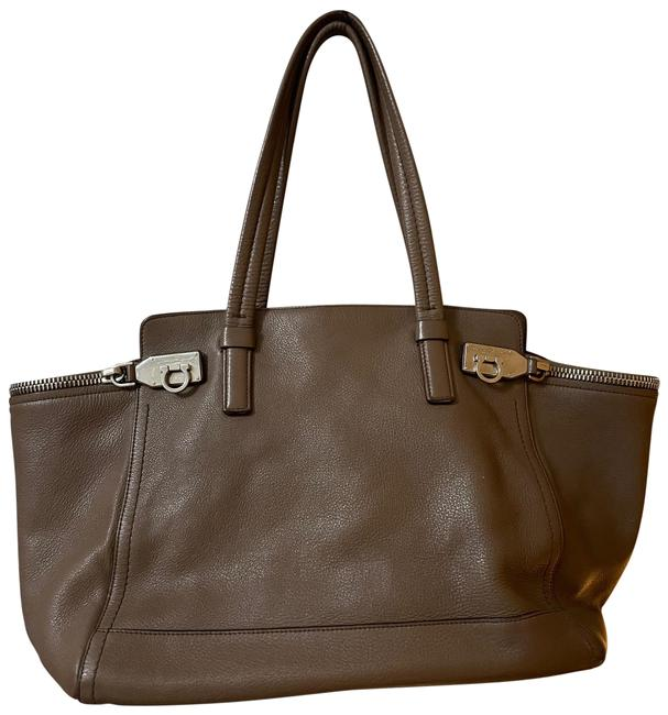 Item - Large Verve Pebbled Price Taupe Leather Tote
