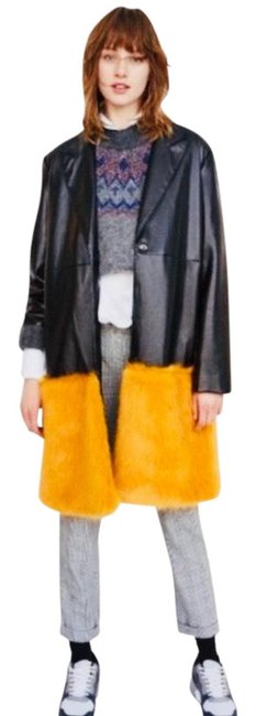 Item - Black with Yellow Fur Faux Bright Jacket Size 6 (S)