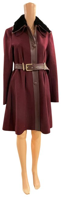 Item - Burgundy and Black Coat Size 4 (S)