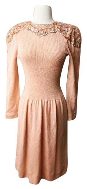Item - Peach Knit Sequin Mid-length Formal Dress Size 6 (S)