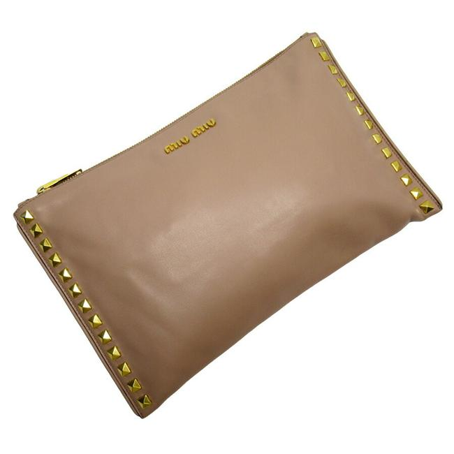 Item - Studs Beige / Gold Leather Clutch