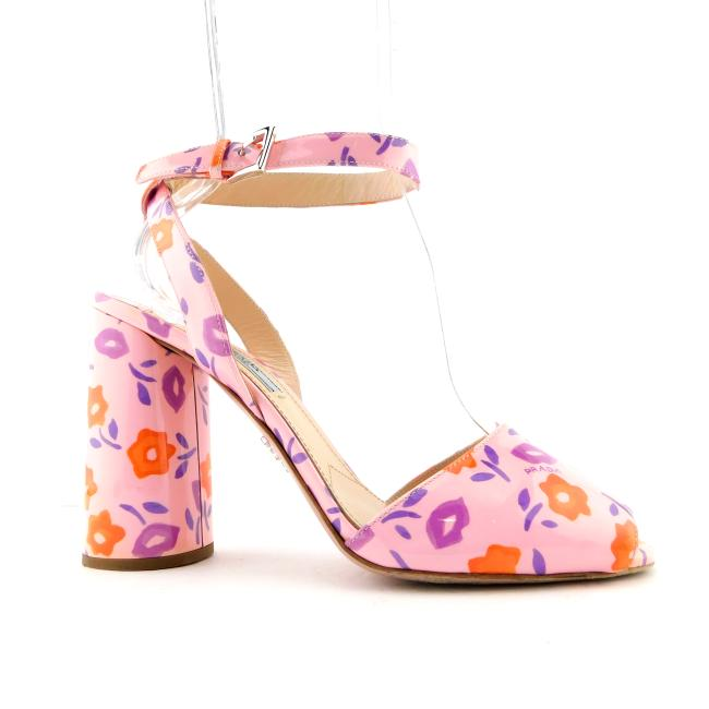 Item - Baby Pink Patent Leather Floral Logo Kiss Ankle Strap Open Toe Pump Sandals Size EU 39 (Approx. US 9) Regular (M, B)