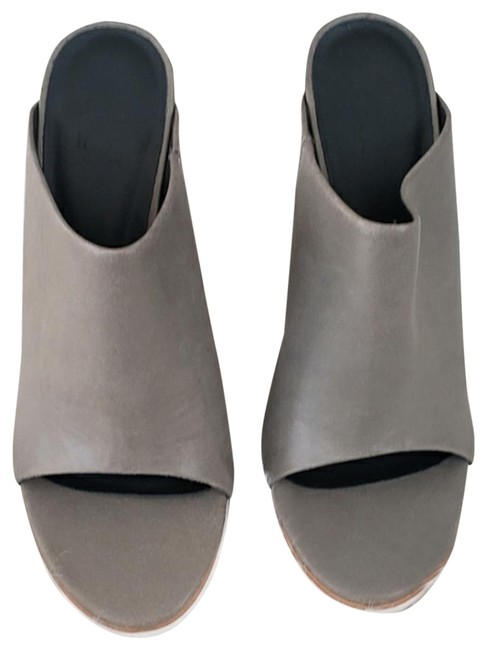Item - Gray No Mules/Slides Size US 8 Regular (M, B)
