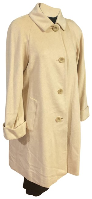 Item - Beige With Two Front Pocket Coat Size 14 (L)