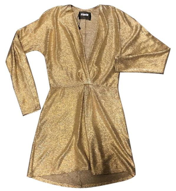 Item - Gold Twist Front Plisse Short Cocktail Dress Size 0 (XS)