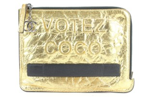 Item - Gold Clutch Ultra Rare Votez Coco O-case Bag 862828 Wallet