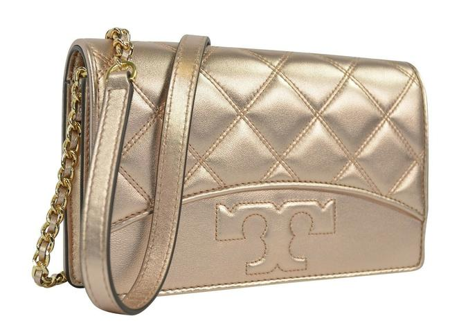 Item - Flat Chain Quilted Wallet Rose Gold Leather Cross Body Bag