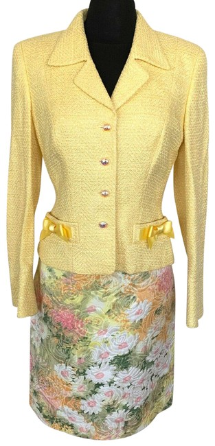 Item - Yellow Skirt Suit Size 4 (S)