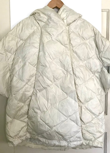 The North Face Ivory Far Northern Quilted Puffer Capelet Coat Size 12 (L) The North Face Ivory Far Northern Quilted Puffer Capelet Coat Size 12 (L) Image 2