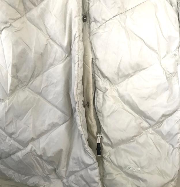 The North Face Ivory Far Northern Quilted Puffer Capelet Coat Size 12 (L) The North Face Ivory Far Northern Quilted Puffer Capelet Coat Size 12 (L) Image 4