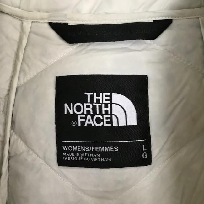 The North Face Ivory Far Northern Quilted Puffer Capelet Coat Size 12 (L) The North Face Ivory Far Northern Quilted Puffer Capelet Coat Size 12 (L) Image 6