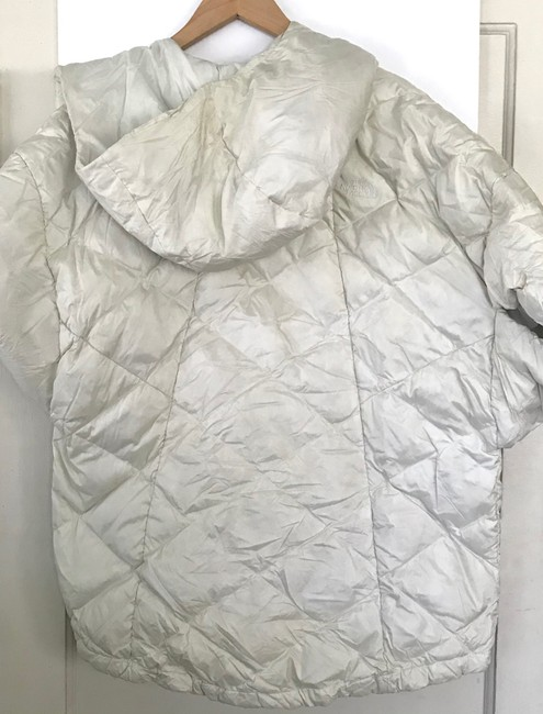 The North Face Ivory Far Northern Quilted Puffer Capelet Coat Size 12 (L) The North Face Ivory Far Northern Quilted Puffer Capelet Coat Size 12 (L) Image 9
