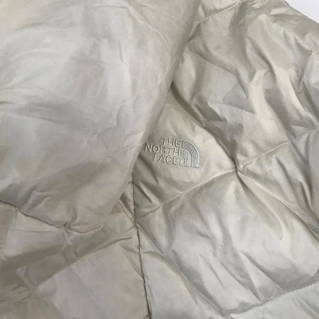 The North Face Ivory Far Northern Quilted Puffer Capelet Coat Size 12 (L) The North Face Ivory Far Northern Quilted Puffer Capelet Coat Size 12 (L) Image 10