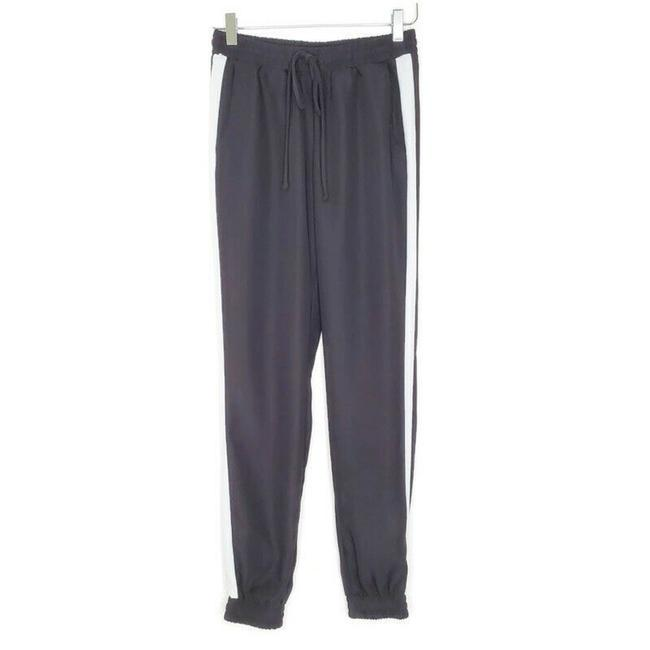 Item - Black and White Joggers Stripe Pockets Athleisure Pants Size 4 (S, 27)