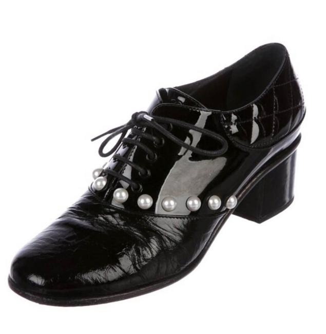 Item - Black Patent Leather Pearl Oxford Mules/Slides Size EU 35 (Approx. US 5) Regular (M, B)