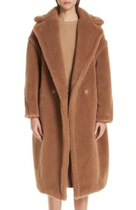 Item - Camel Teddy Bear Icon Coat