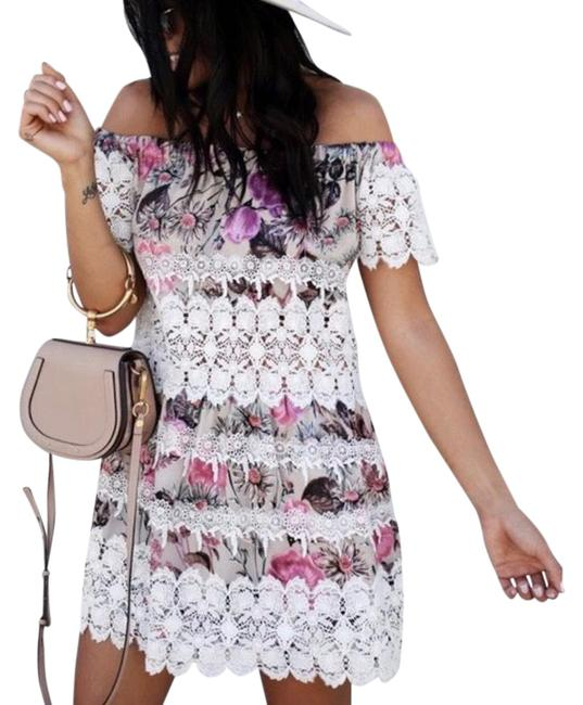 Item - White and Pink Cadence Floral Off Shoulder Mid-length Night Out Dress Size 4 (S)